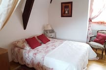 2è chambre avec accès au salon