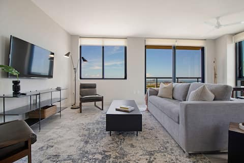 Welcome to your resort style condo on the 34th floor in the middle of Miami!