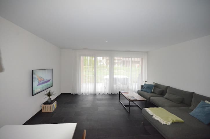 Highway-Apartment an ruhiger Lage in Neubau - Hunzenschwil - Appartement