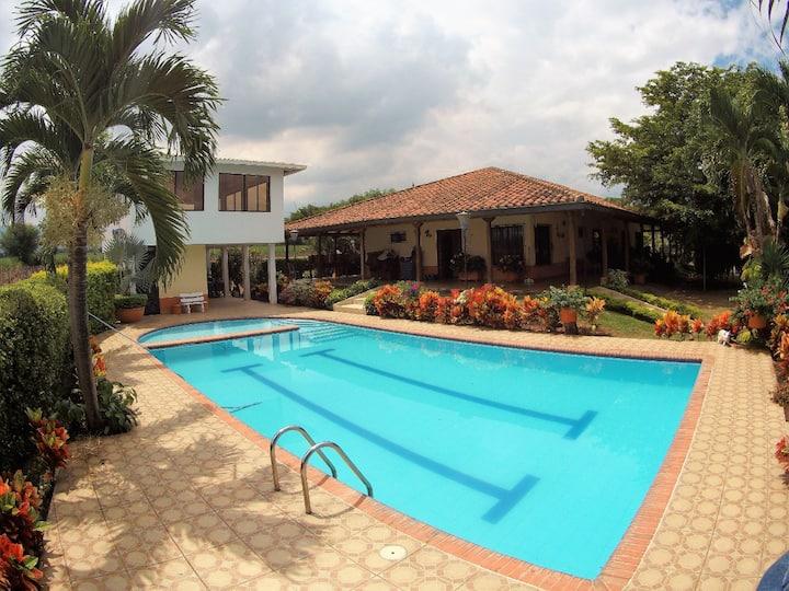 Casa Campestre El Bergel