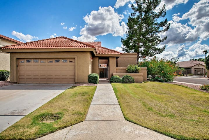 NEW! Home w/Patio - 10Mi to Old Town Scottsdale!