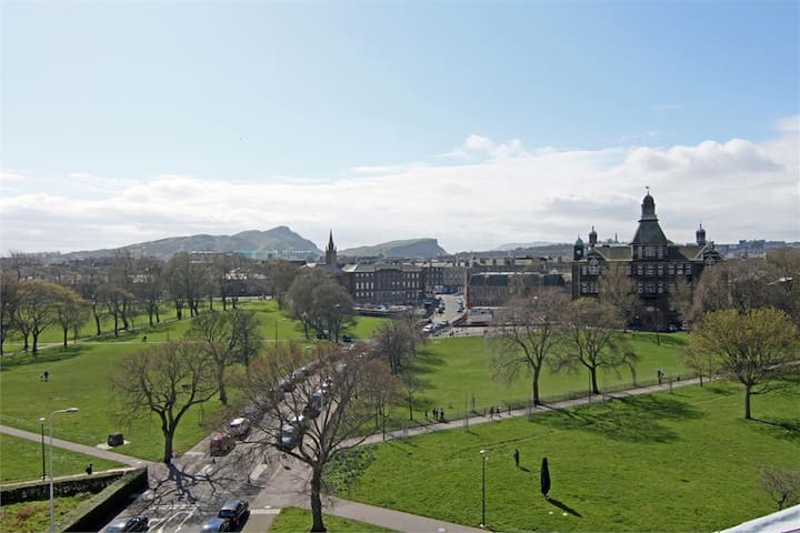 2 bedroom Penthouse with Stunning Views - Edinburgh - Wohnung