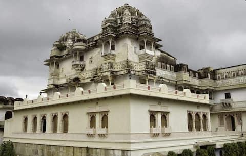 Kanch Mahal Suite Room, HERITAGE KRISHNA PALACE