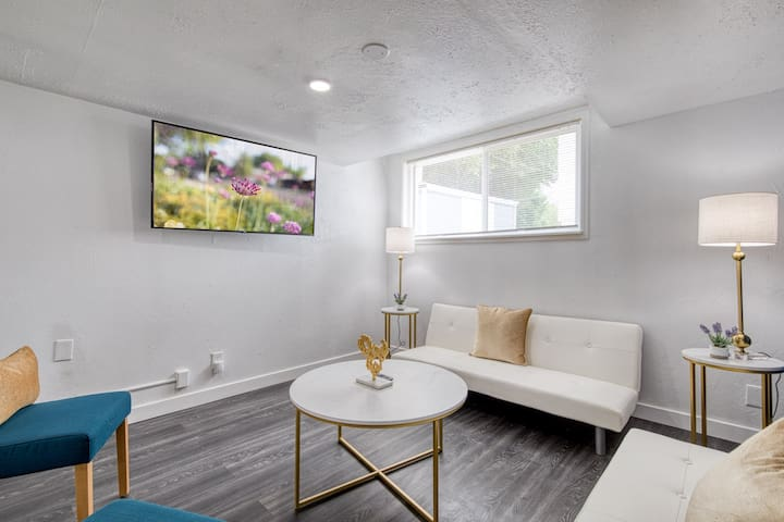 *NEW* DOWNTOWN BOISE ON BSU CAMPUS 3 BEDS SLEEPS 6