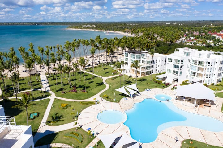 Stylish Condo w/Pool + Beach @Playa Nueva Romana