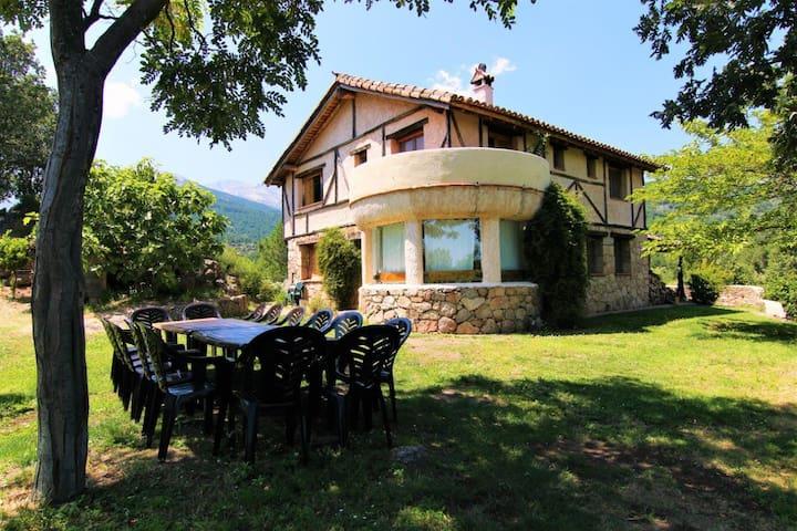 Encantadora Casa Rural con vistas. Hogar de Gredos