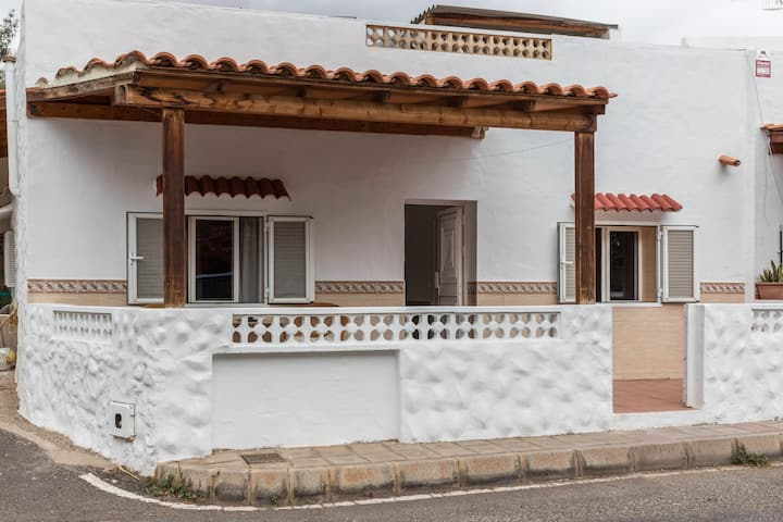 """Apartment """"Casa German Y Susanita"""" with Terrace & Garden; Parking on Street Available, Pets Allowed"""