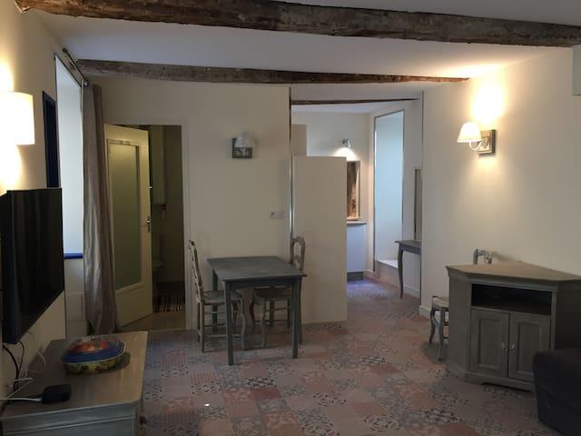 Sudio Bleu de la maison du porche - Quinson - Appartement