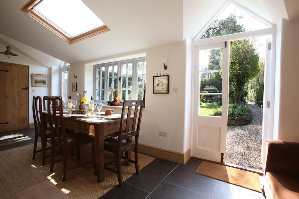 Sun-filled Garden Dining room