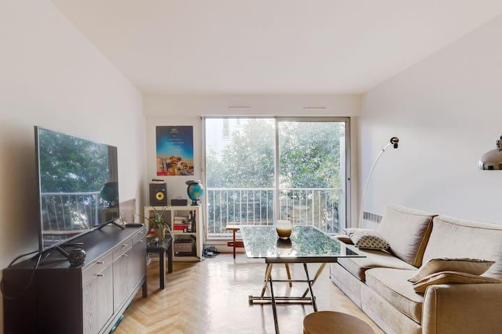 BRIGHT APARTMENT WITH BALCONY NEAR MONTMARTRE