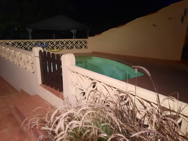 Cosy country casa and cooling plunge pool