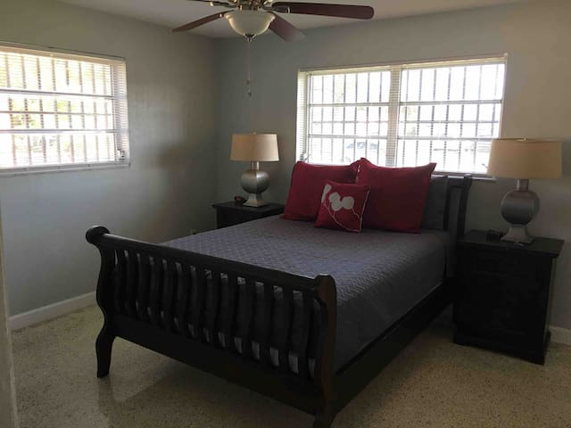 Master Bedroom with Private Bathroom. FIU/Doral