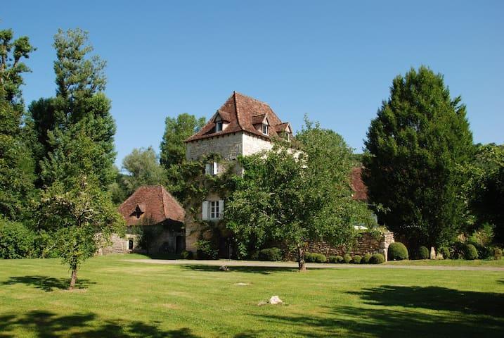 Le Moulin sur Célé - saint sulpice  - Huis