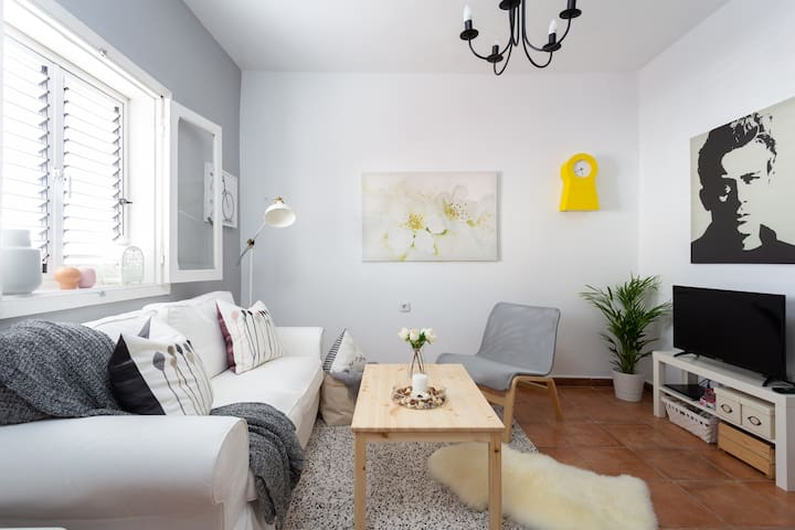 Large house for visiting a charming city