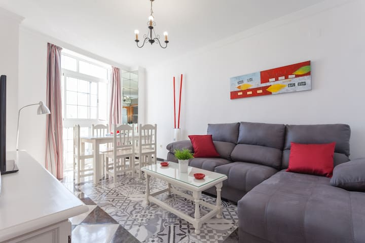 Modern and bright apartment in the centre of Conil
