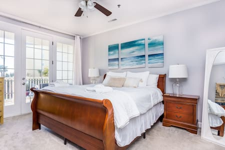 ♥ Ocean Front Condo, The Blue Palm ♥Beach access
