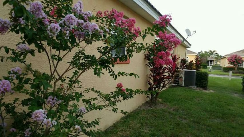Beautiful Villa with 2 rooms near Disney!!!