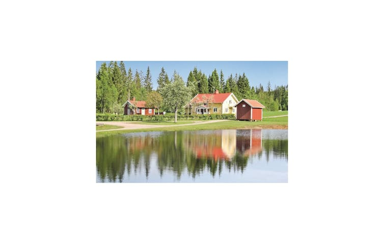 Holiday cottage with 3 bedrooms on 150m² in Ölsremma