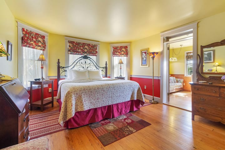 After Eight Bed and Breakfast - Deluxe Suite