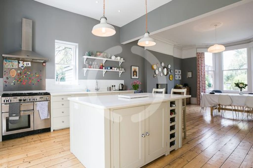 Luxury Large Kitchen and Diner