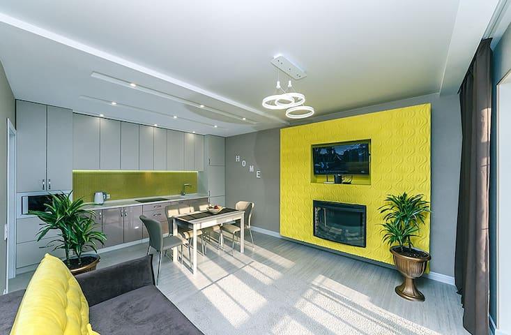 Lux 3-room suit 24, Lesi Ukrainki