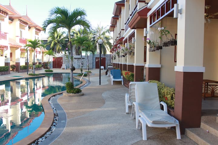 Family centred resort 50 m from Cha Am South beach