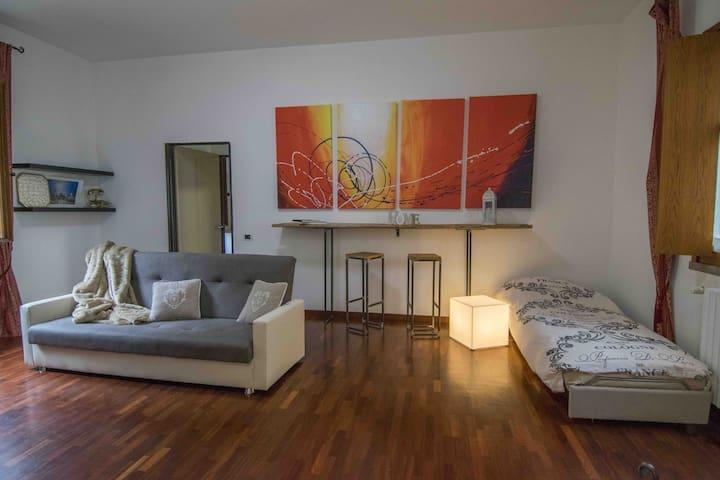 Appartamento 280 m da Piazza Ducale