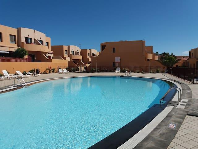 Apartamento céntrico en complejo privado.Bahía Sol
