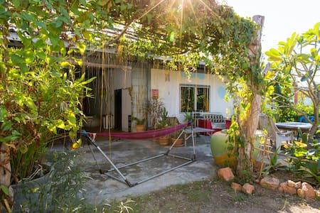 Natural Thai Style Country House - Tambon Pak Nam Pran - บ้าน