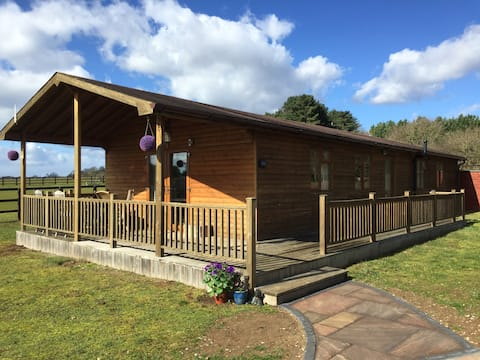 The Log Cabin, the perfect Country Break Away!