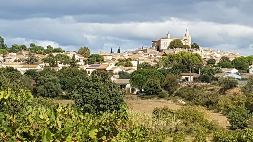 Murviel-lès-Béziers  Joli village avec sa circulade