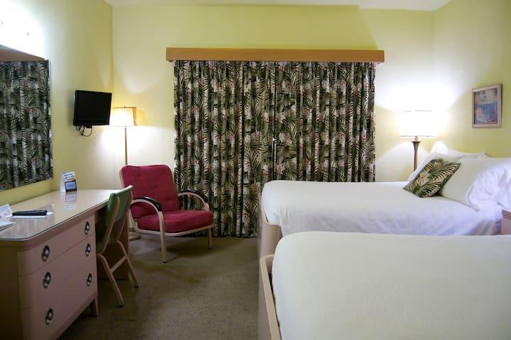 Room, 2 Double beds, Ground Floor