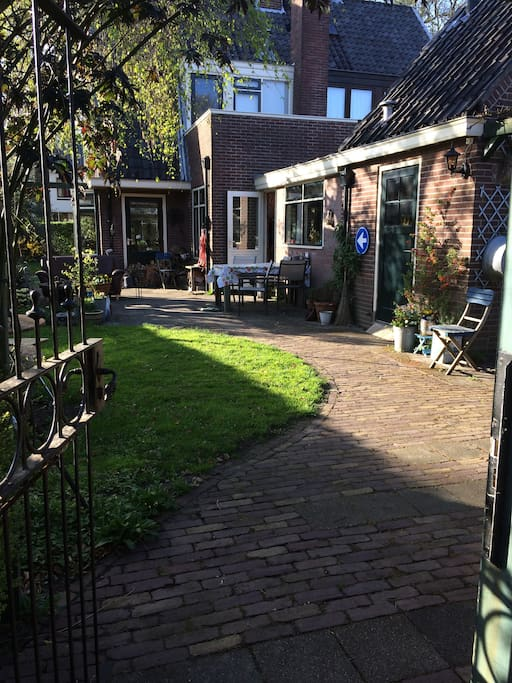 Achteringang tuin