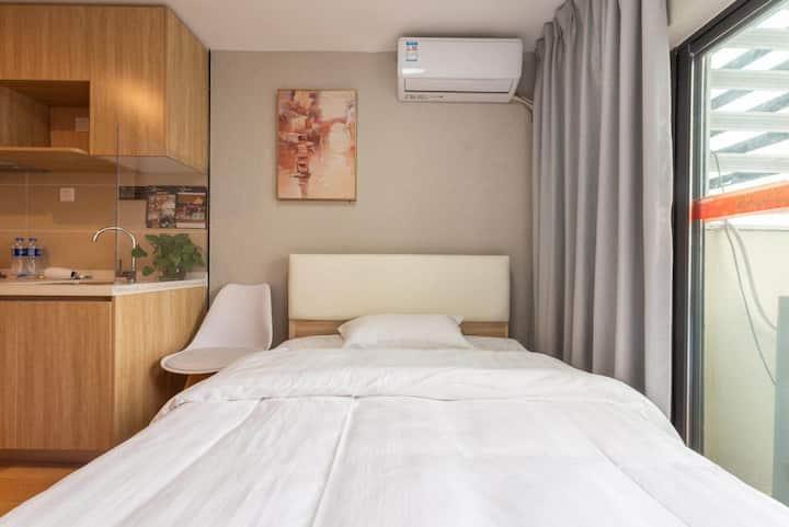 (长租优惠)万科城市之光大床房单身公寓/5号线文冲地铁站/大沙东地铁