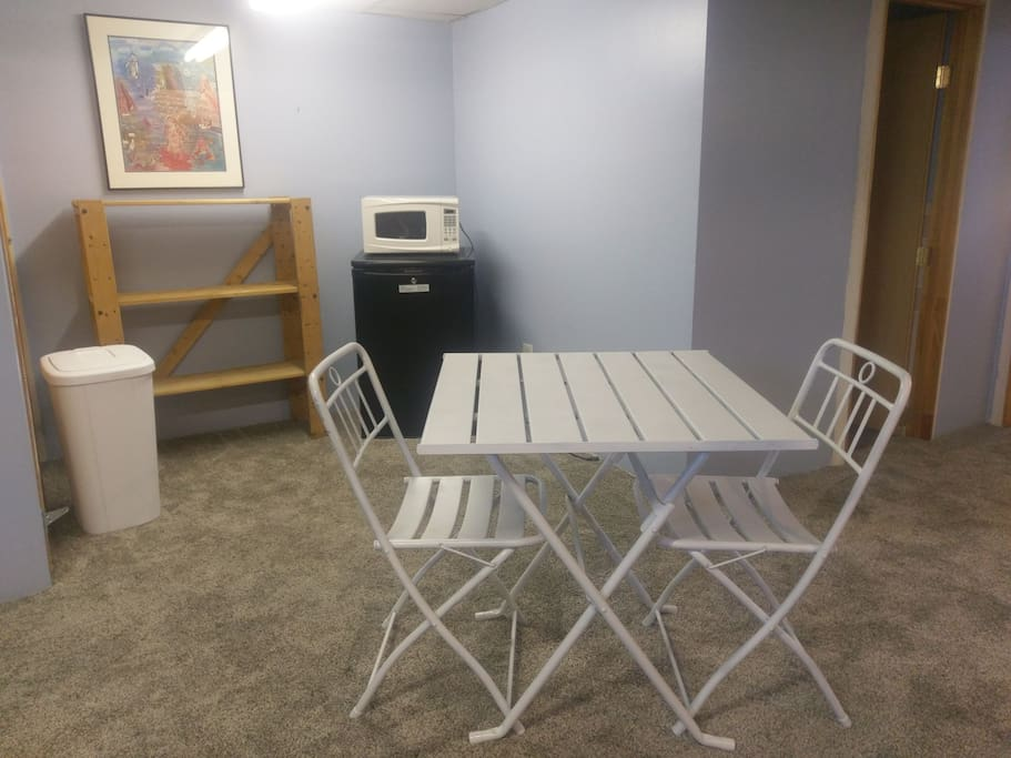 Mini kitchenette and dining area