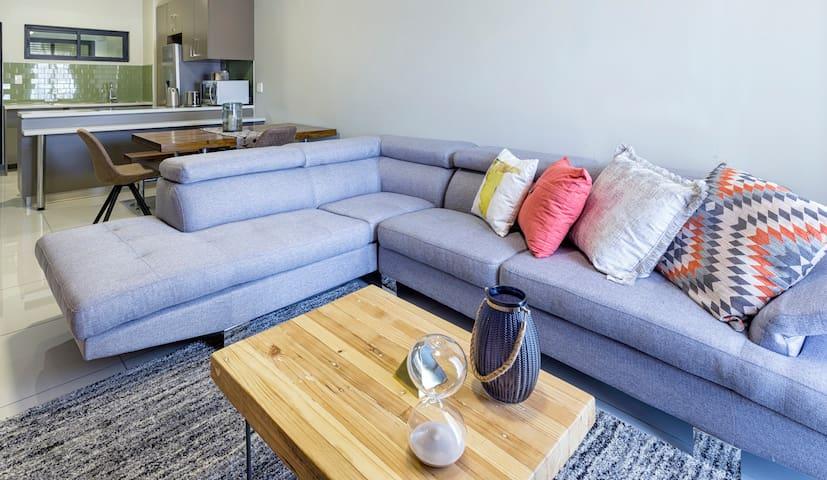 FaanBergh Accommodation - Ondjoroka (Unit 3)