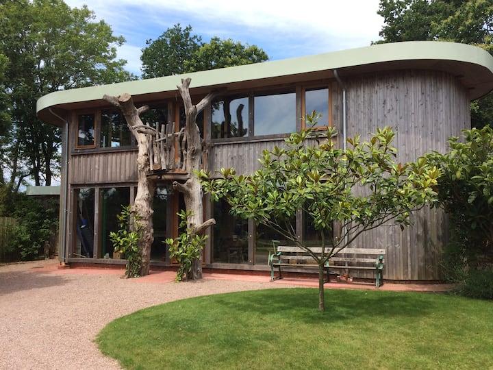 Magnolia Lodge- Luxury, contemporary lodge