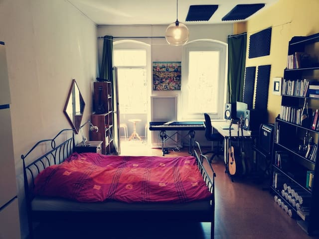 Musician's Apartment in Prenzlauer Berg