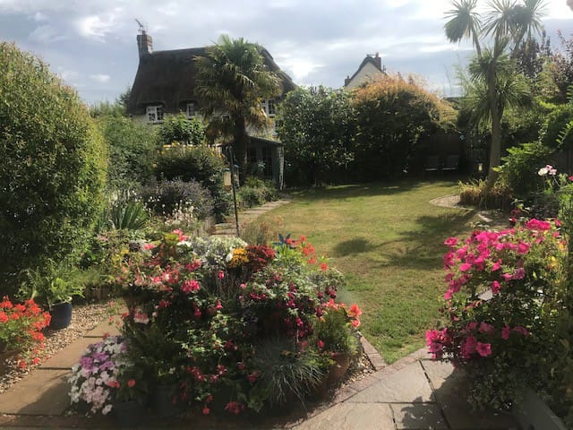 Comfortable, friendly and quiet house with ensuite