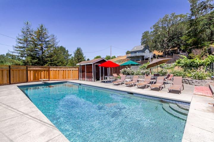 Inviting 4 Bedroom Country Cottage - Glen Ellen - Casa