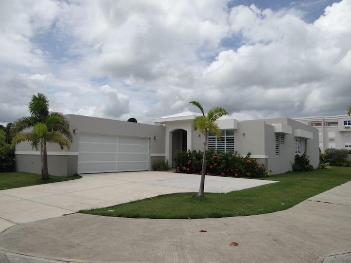 Beach House near two Golf Courses & Rio Mar Resort