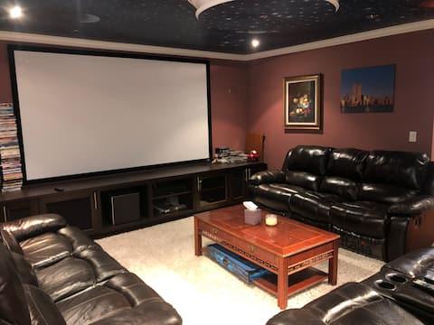Cozy private suite near SFU