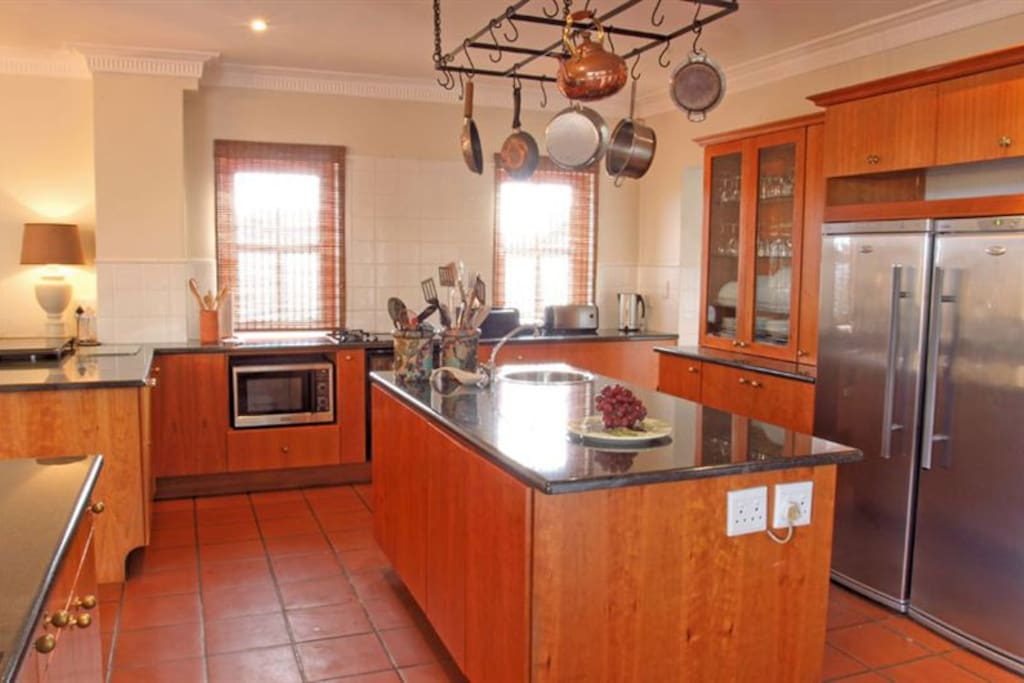 Kitchen - fully fitted/equipped