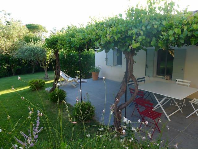 Maison 6pers - 5' Grignan- Piscine - Chamaret - บ้าน
