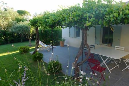 Maison 6pers - 5' Grignan- Piscine - Chamaret - House