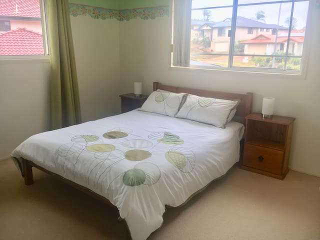 Beautiful light room with Queen bed