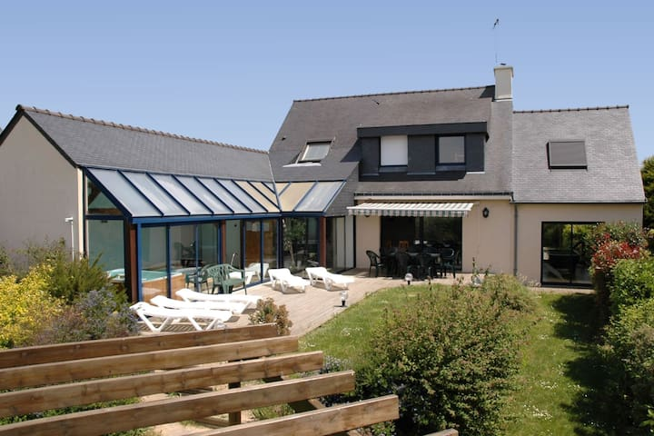 Detached villa near the beach with private indoor pool and sauna