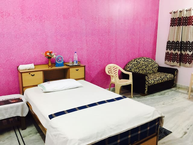 "Awesome ""Value'' Accomodation in the City Center!! - Hyderabad - Hus"