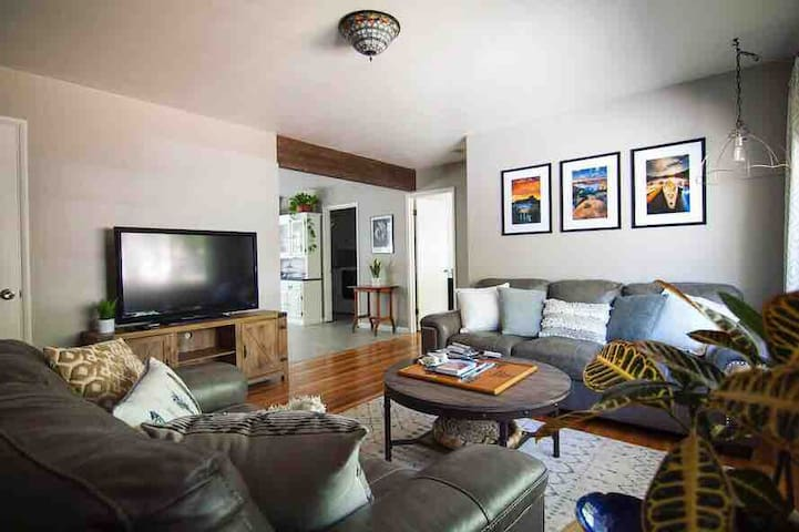 Coronado House Unit A 3BD/2 Bath, walk to downtown