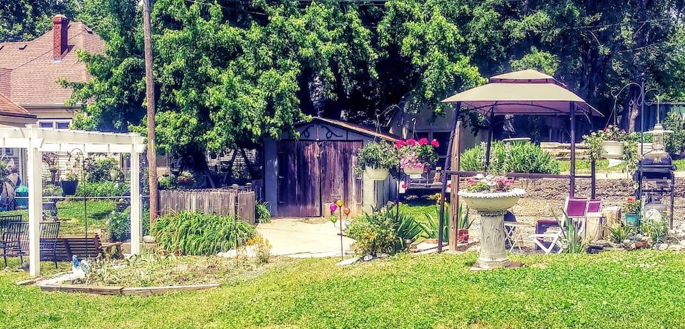St Joseph Home in Historic Neighborhood